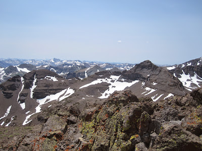 Lichen, mountains, and more mountains.  ©http://backpackthesierra.com