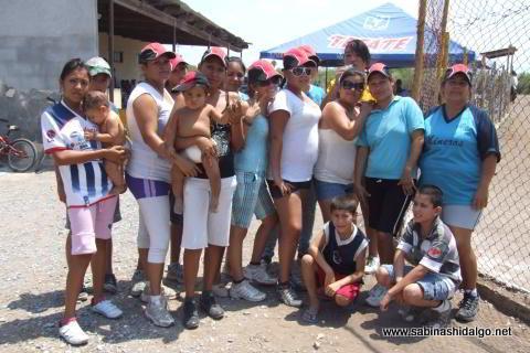 Equipo de softbol femenil Pajaritas de Vallecillo