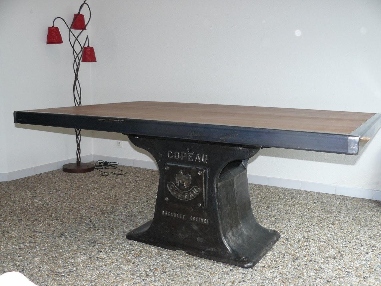 table industrielle copeau mai. Black Bedroom Furniture Sets. Home Design Ideas