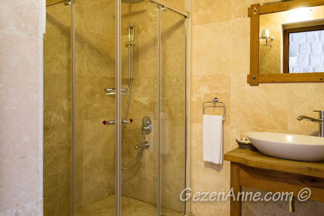 kaldığımız odanın banyosu, Göreme Inn Otel Kapadokya