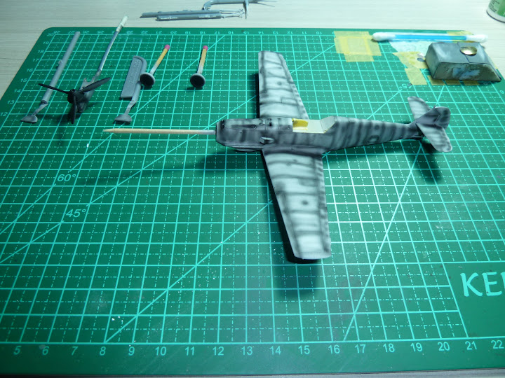 "Messerschmmit Bf 109 E-3 - Major Hans ""Assi"" Hahn P1030977"