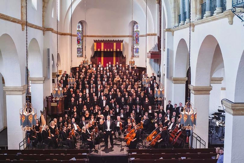Classic Christmas with the Bach Festival Choir & Orchestra