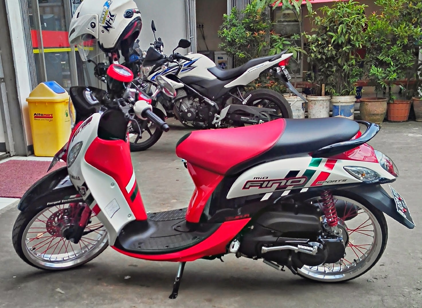 Honda Scoopy Modifikasi Velg 17