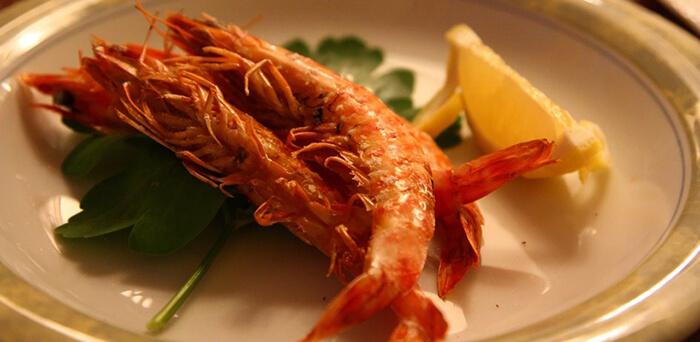 鹽烤或乾煎,則能吃到另一種口感以及風味。