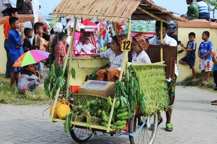 karnaval anak majene 2013 tema petani