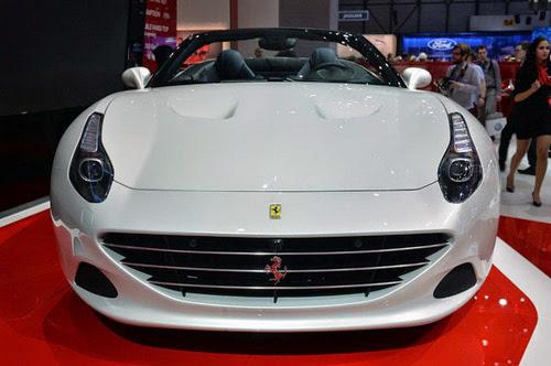 Ferrari California T: Siêu xe rẻ nhất trình làng - 2