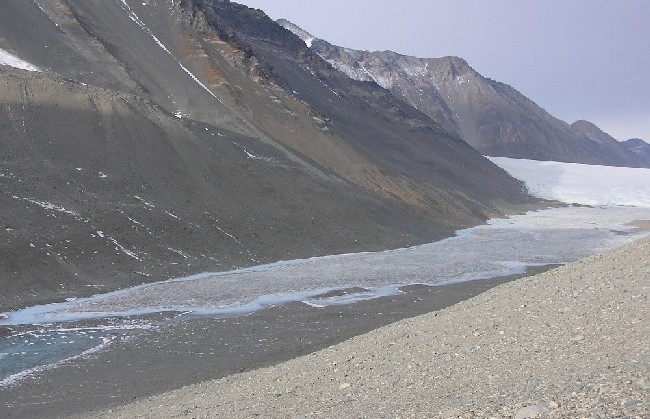 Lake Hoare from the West with Canada Glacier in the background(photo by A. Chiuchiolo)