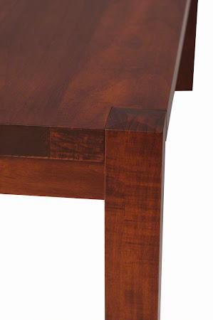 Phoenix Bench in Iconic Maple