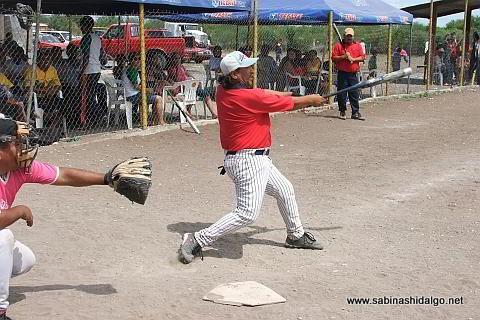 Juan Carlos Martínez de Diablos en el softbol del Club Sertoma