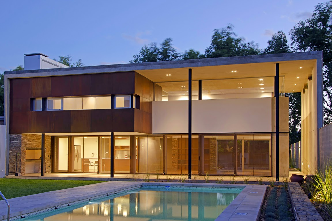 House in Villa Belgrano design by  FKB Arquitectos