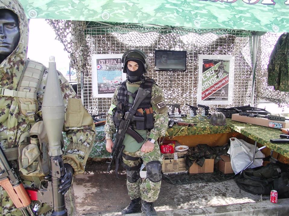 Fotos y videos de la Feria Open War 18/05/13 PICT0007