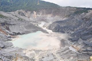Climbing Tangkubang Prahu