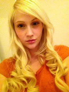 beauty blogger girl blog blonde hair extensions platinum blonde waves curls
