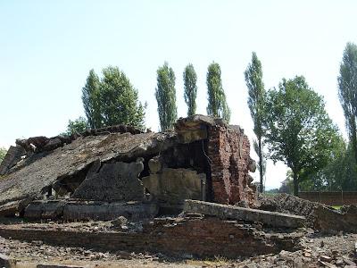 爆破された施設