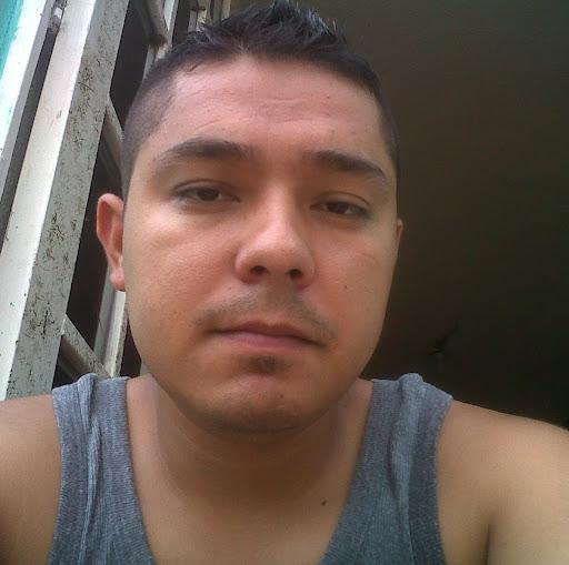 Roberto Izaguirre Photo 19