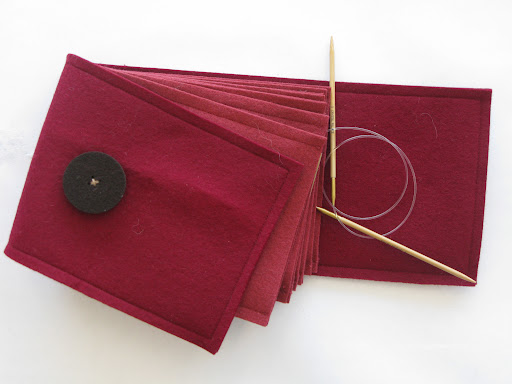Each pocket holds its own sets of circular needles