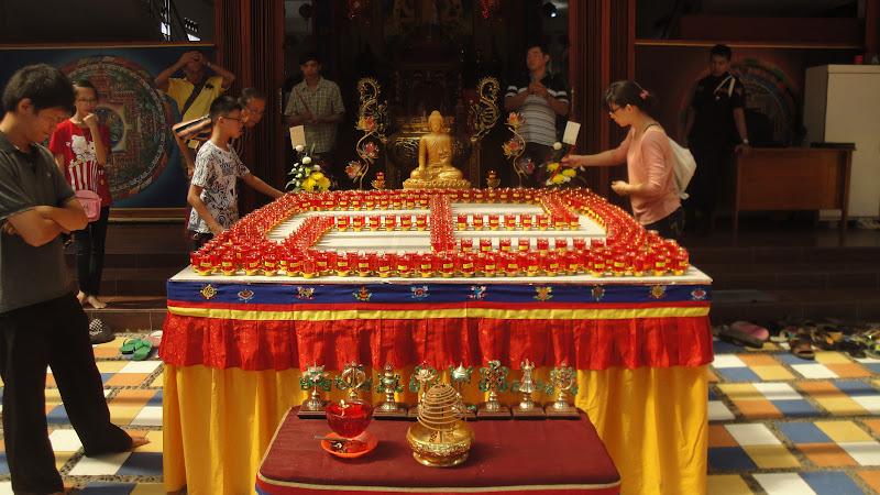 Liputan dan Dokumentasi Rangkaian Kegiatan dan Upacara Menyambut hari Trisuci Waisak 2557 BE Mei 2013