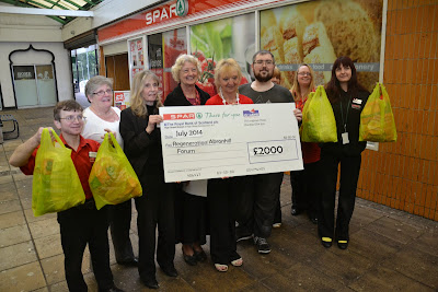 14-07-2014 - By Scott Campbell (+44) 0774 296 870 - Spar donation to Abronhill Regeneration Forum; group shot 1.