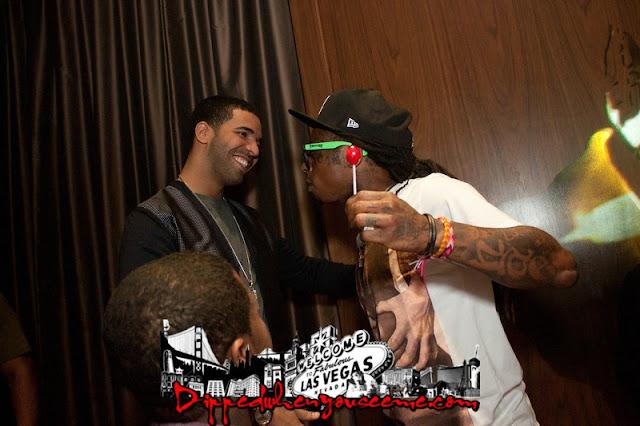 Foto do Lil Wayne e Drake se abraçando
