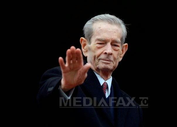 Regele Mihai I, un prilej pentru români de a se întâlni cu istoria, la fiecare apariţie a sa