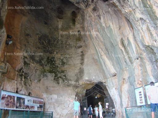 La cueva de las calaveras, Benidoleig, Alicante DSC05863