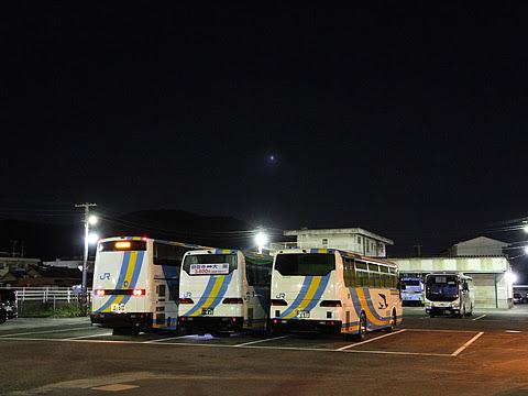 JR四国バス「ドリーム高松号」 694-5950 観音寺営業所にて