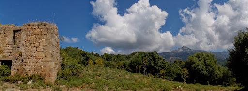 L'Uomu di Cagna et la maison de Pastricciola depuis l'entrée du hameau
