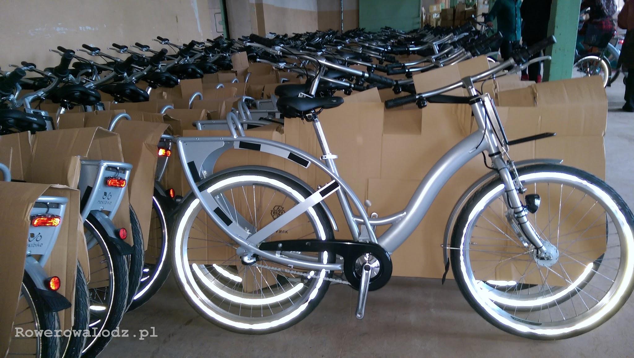 Każdy rower wyposażony jest w koła z odblaskową obwódką - poprawia widoczność boczną