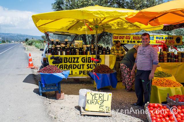 Ayvalık İstanbul yolundaki satıcılar