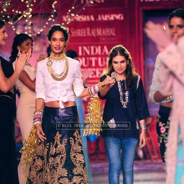 Lisa haydon walks the ramp with Monisha Jaising on Day 3 of India Couture Week, 2014, held at Taj Palace hotel, New Delhi.