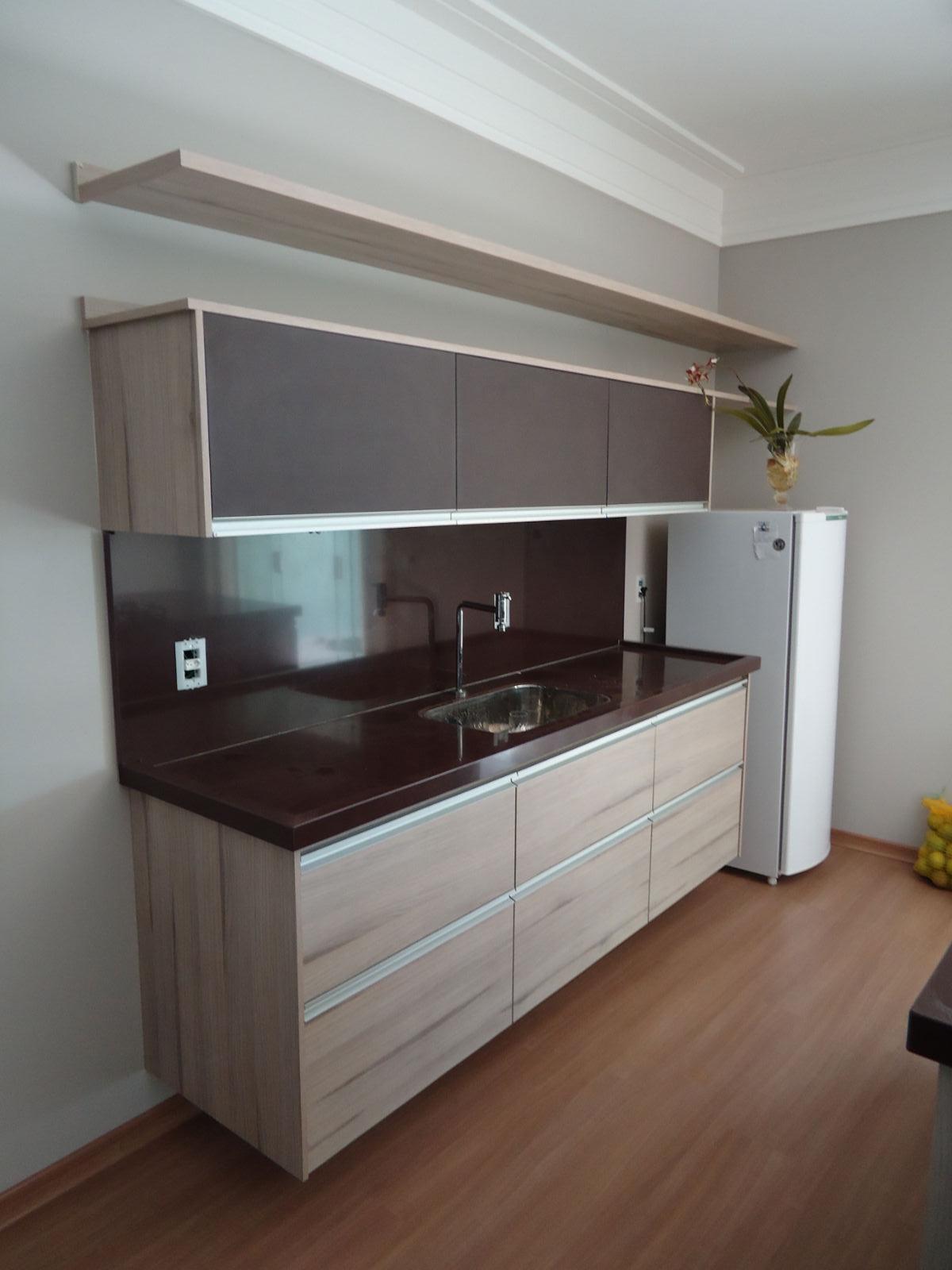 #63493C  Martins: Armário de Cozinha em MDF Grigio e MDF Couro Café 1200x1600 px Armario De Cozinha Compacta Mdf #1969 imagens