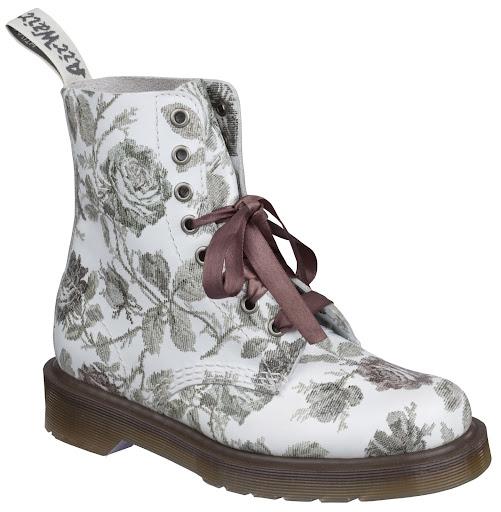 https://lh6.googleusercontent.com/-34LeL2PO-Ys/TYSEwYWkC9I/AAAAAAAABF4/7wVCt9Iv3PE/DrMartens-Tapestry-Boot.JPG