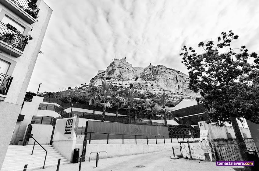 Nikon D5100, 10-20 mm, Paisajes, Castillo de Santa Bárbara, Alicante, Blanco y negro, Plaza del Puente, Barrio de San Roque