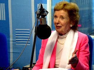 Mary Robinson, l'envoyée spéciale de l'Onu pour la région des Grands Lacs le 28/04/2013 à Kinshasa, lors d'une émission au studio de Radio Okapi.