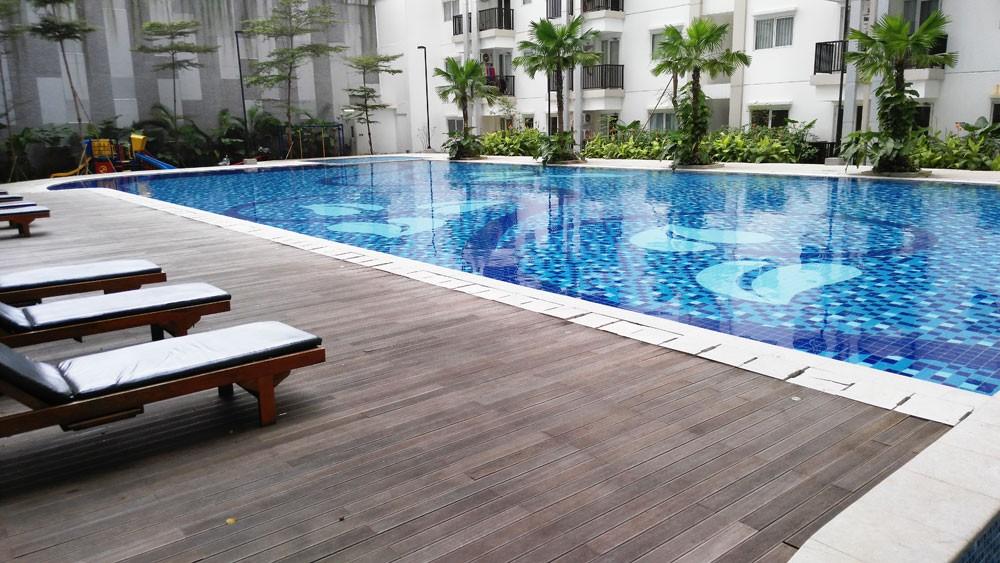 Signature Park Apartment swimming pool view