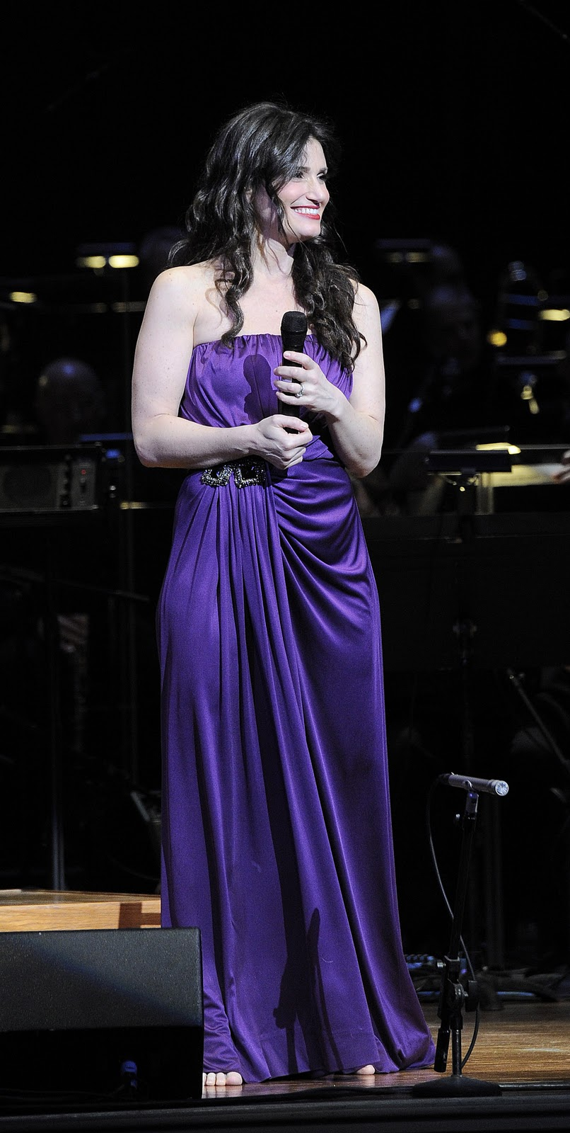 idina menzel pregnant on glee - photo #6