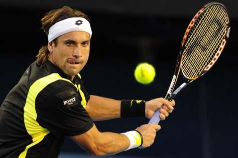 David Ferrer golpeando la bola