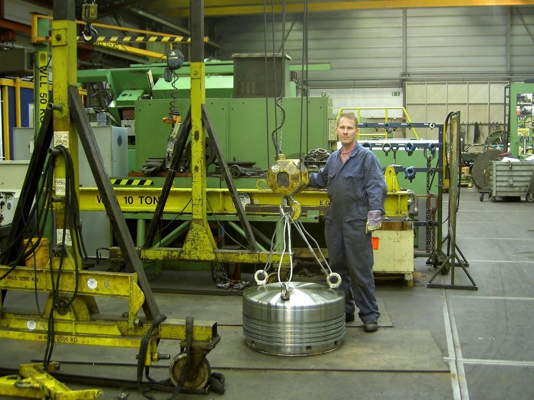 Dutch marine repair & shipping reconditioning  Est 1923 -