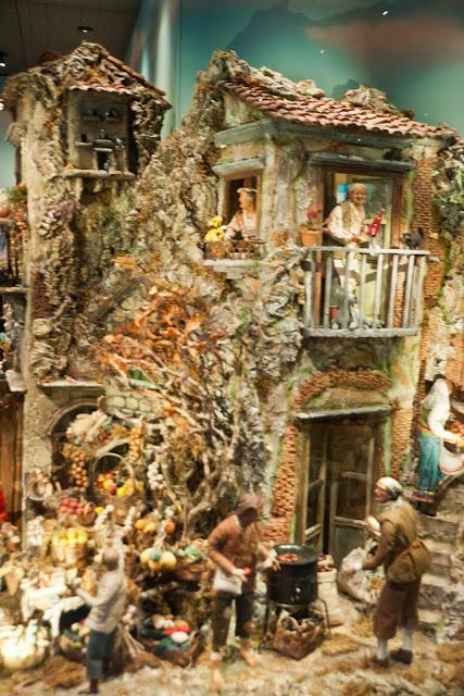 Weihnachtskrippen und Krippenfiguren als Volkskunst aus Neapel