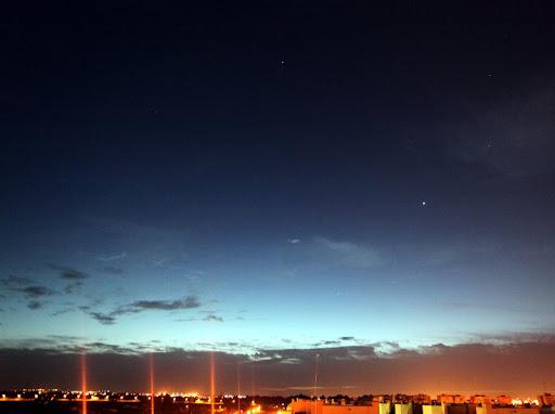 Venus y constelaciones al amanecer