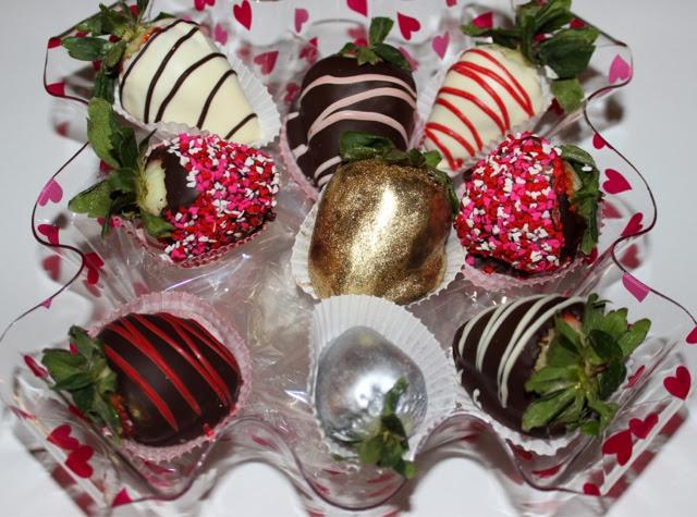 JesNesCakes: White & Dark Chocolate Dipped Strawberries