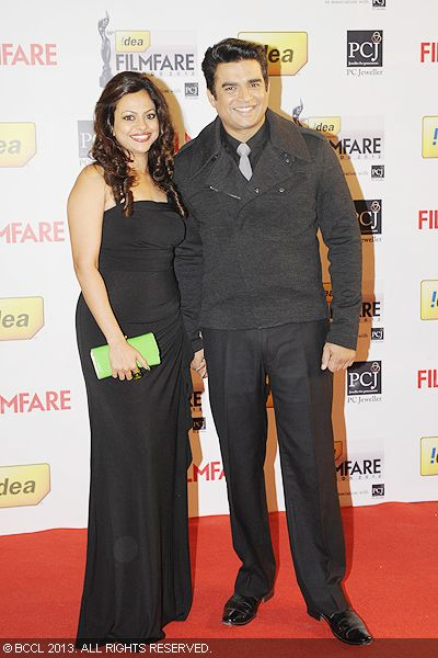 Actor Madhavan with wife Sarita Birje graced the red carpet at the 58th Idea Filmfare Awards, held  in Mumbai.<br />  Click here for:<br />  58th Idea Filmfare Awards