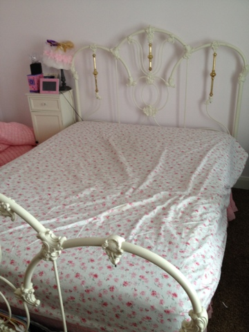 Converting King Flat Sheet To A Queen, King Fitted Sheet On Queen Bed