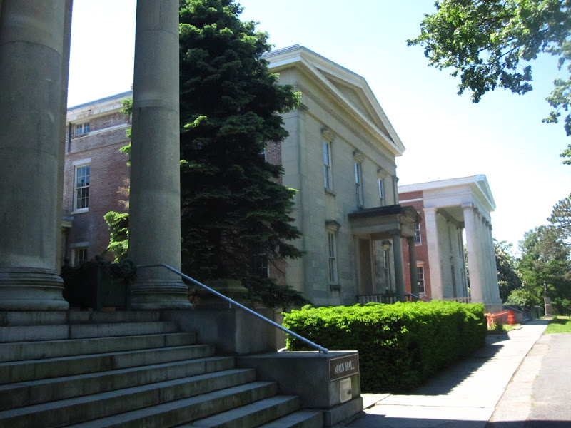 Surrounding buildings around the Snug Harbor visitor's center
