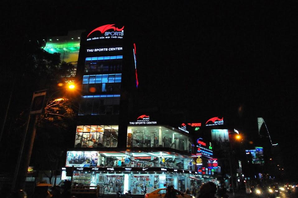 Thu Sports Center về đêm
