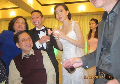 KM Houston tham dự đám cưới