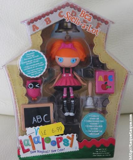 mi mini Bea Spells-a-lot gibraltareña en su caja