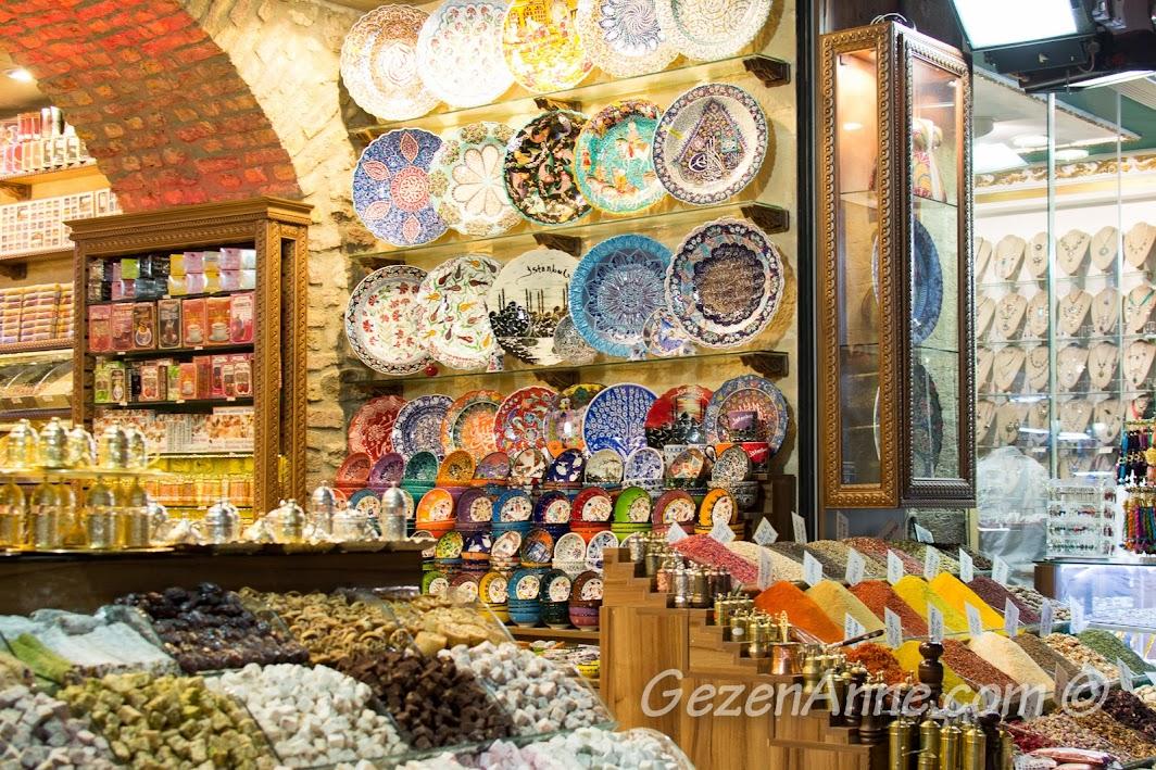 Mısır Çarşısında'ki dükkanlar