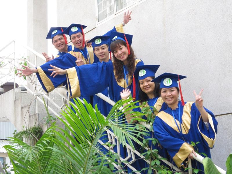 Lễ tốt nghiệp lớp marketing manager - vietnammarcom - Sau hơn 4 tháng học tập và làm đề tài tốt nghiệp các nhóm đã hoàn thành tốt chương trình khóa học của mình với những Nhóm đề tài xuất sắc và tiêu biểu.