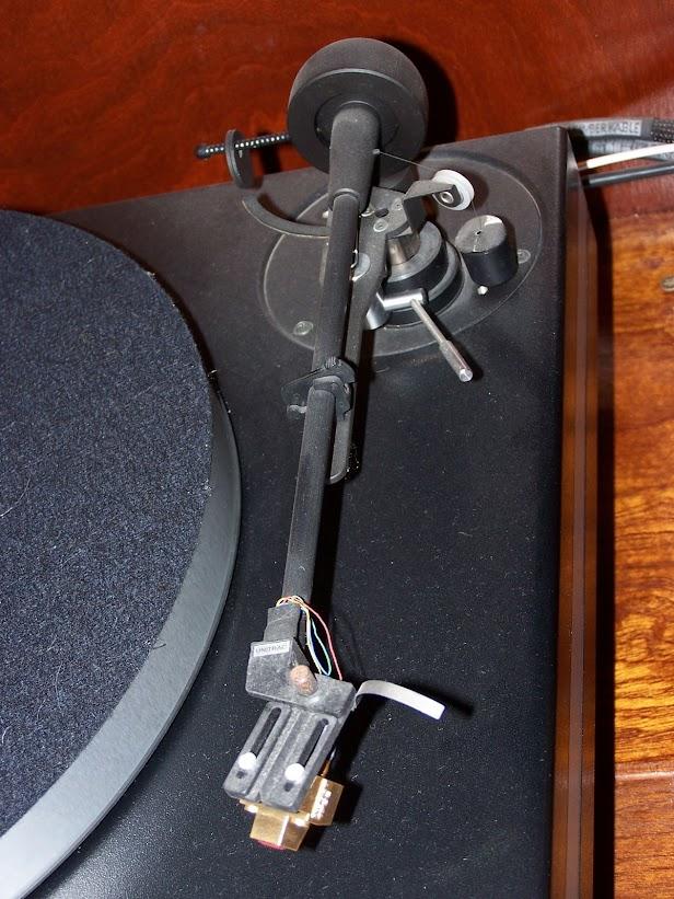 O que define o som de um gira-discos 000_0170
